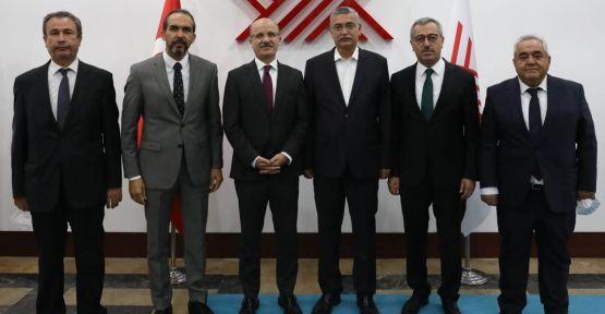 """YÖK BAŞKANI ÖZVAR'A """"HAYIRLI OLSUN"""" ZİYARETİ"""